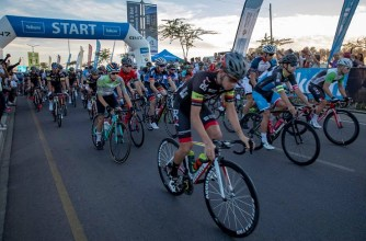 A bunch of cyclists setting off for the 947 Cycle Challenge today. Photo: Telkom 947 Cycle Challenge