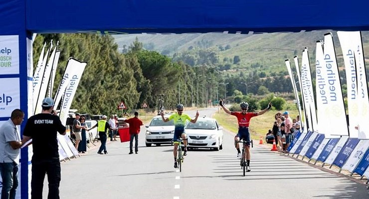 Alfa Bodyworks-Giant's Byron Munton (right) pictured with teammate Chris Cronje moments before winning the Stellenbosch Cycle Tour. Photo: Craig Kolesky