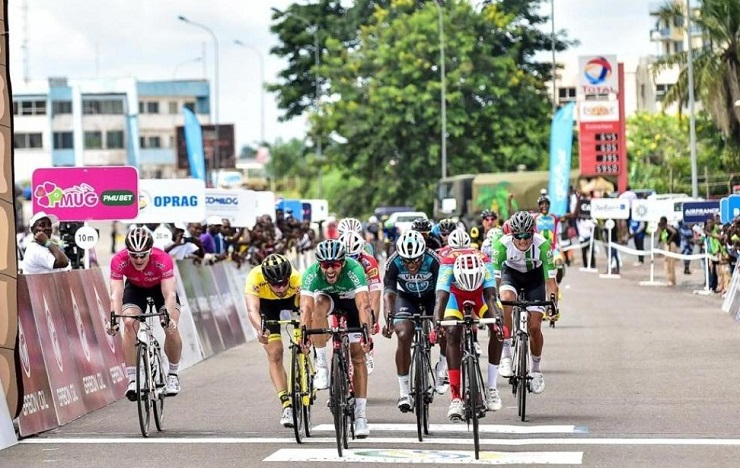 South Africa's Rohan du Plooy (far right) competed against some of the world's best riders at the Tropical Amissa Bongo last week where he managed to finish 11th overall. Photo: Supplied