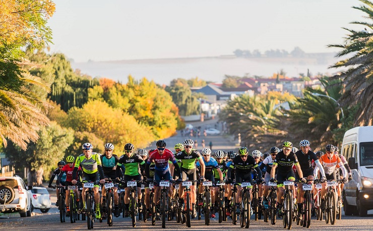 HB Kruger (pictured front in dormakaba kit) during stage two of joBerg2c