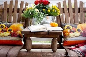fall tour, fall porch, fall decorating, diy outdoor pillow, decorating on a budget