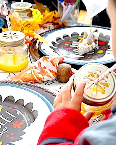#thanksgiving #thanksgivingkidtable #diy #thanksgivingdinner #thanksgivingmeals #falldinner #kidplacesettings #thanksgivingplacecards #thanksgivingfeels #fallfeels #thanksgivingmeal #kidplacesettings #kidplacecards