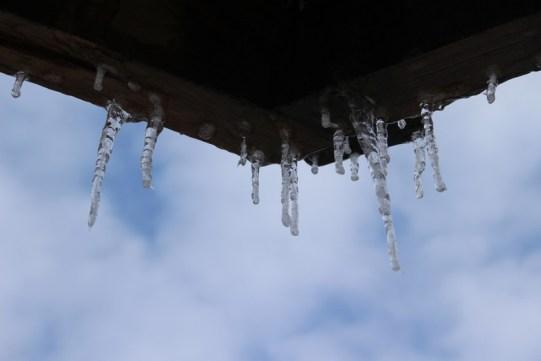 Côte de Salzbourg – Eiszapfen am Chalet