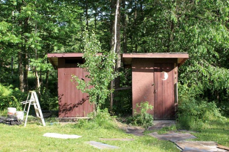 Neue Dächer – links schon fertig