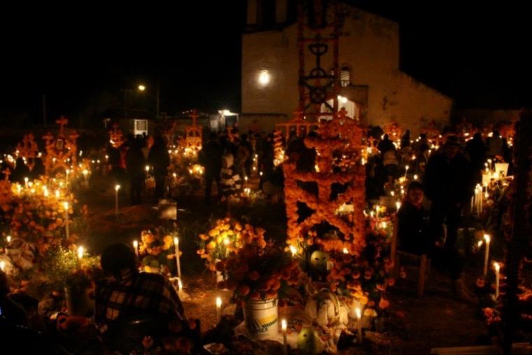 Altare an den Tagen der Toten