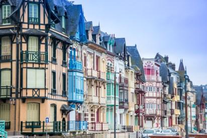 Bunde Häuserfront