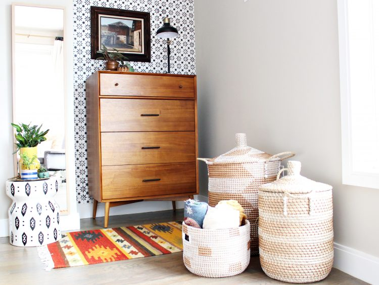 southwestern style master bedroom with baskets