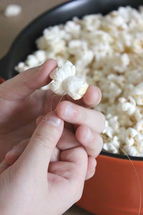 how to make diy popcorn garland