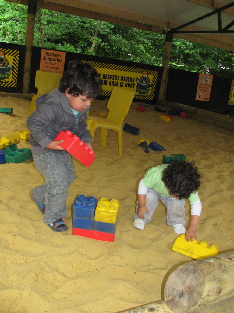 sand construction play