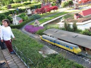 legoland windsor trains miniland