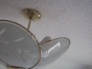 broken lightfitting