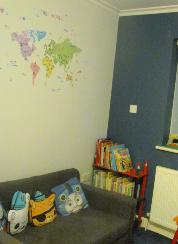 playroom ideas reading corner