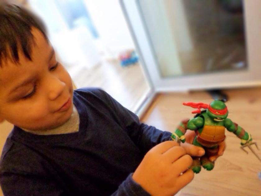 Teenage Mutant Ninja Turtles toys power sound fx figure