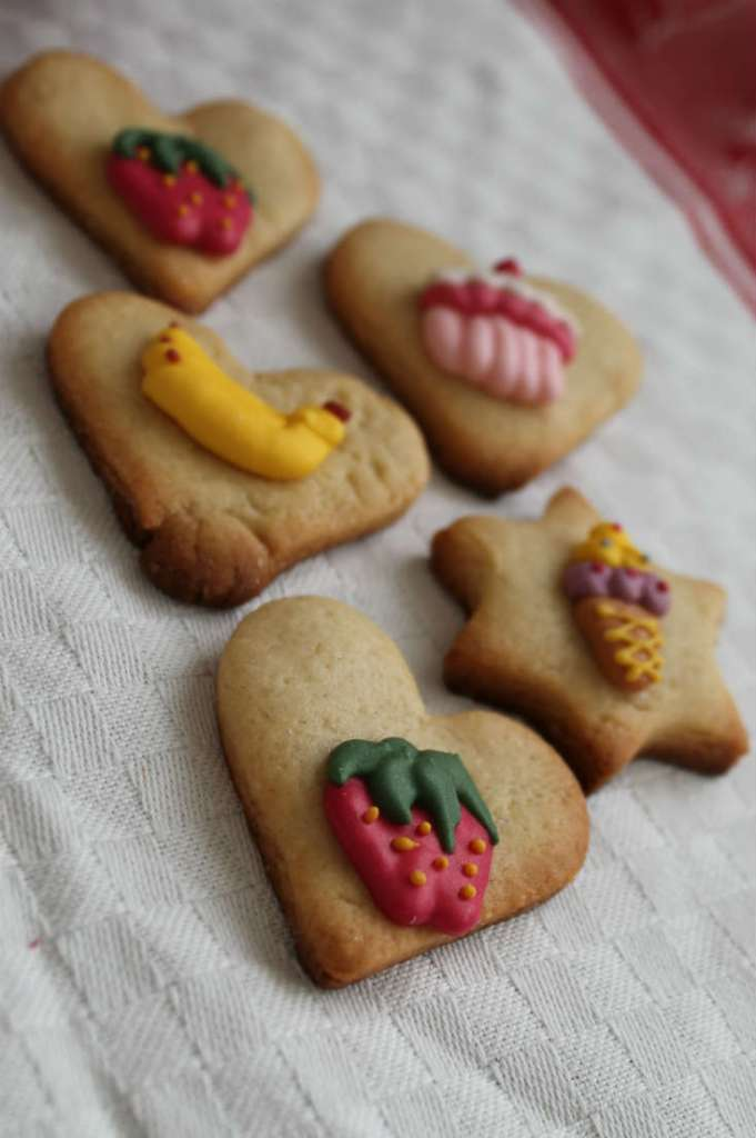 making decorated biscuits