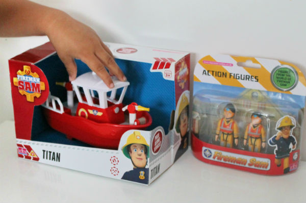 fireman sam titan boat and figures