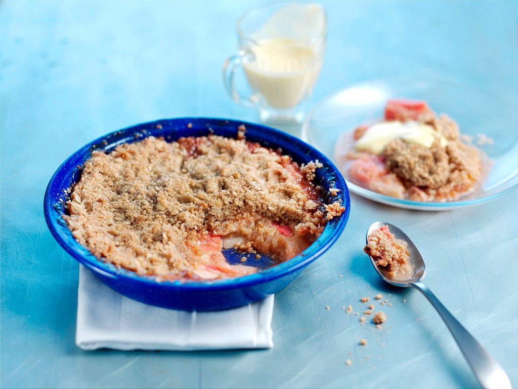 Spiced Apple and Rhubarb Crumble recipe