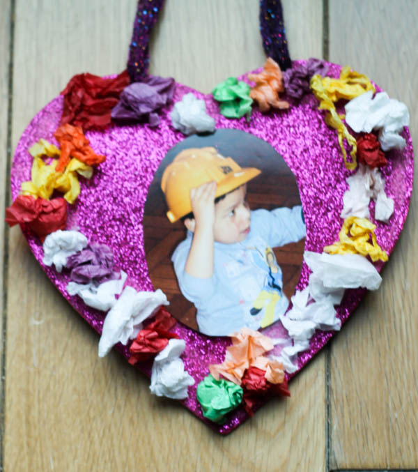 simple valentines heart craft for toddlers or preschoolers