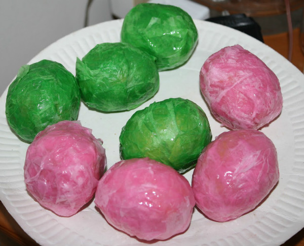tissue paper mache eggs. Fun egg decorating craft for Easter