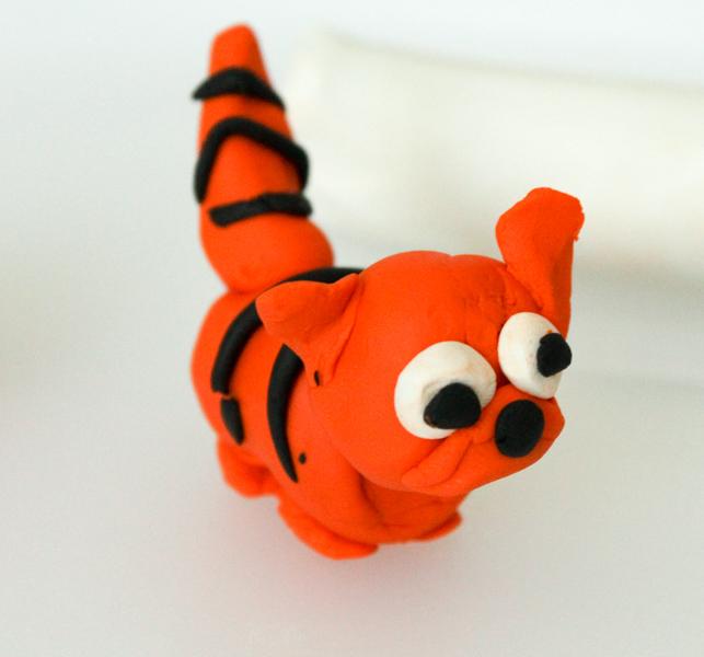 plasticine modelling cat