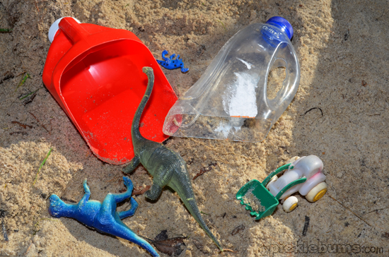diy sand scoop made from a plastic bottle