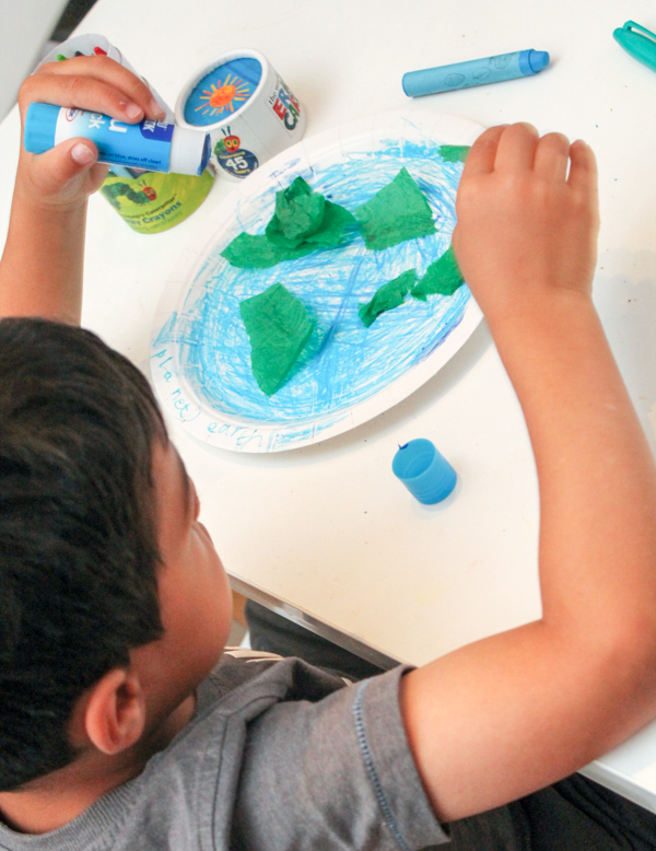 paper plate earth with green tissue paper