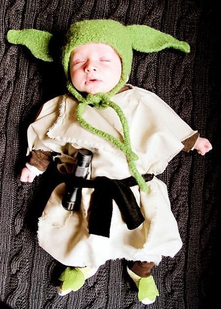 Baby Yoda Halloween costume