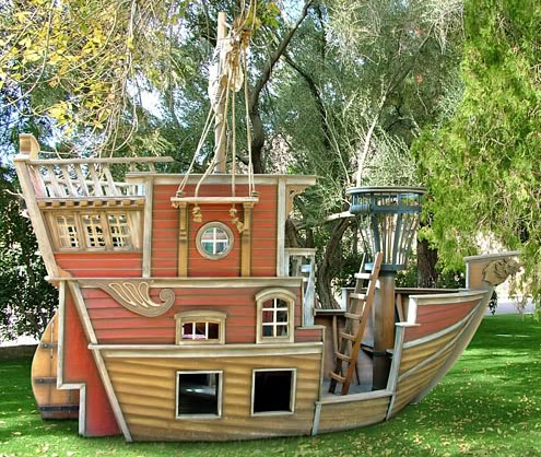 This Pirate inspired playhouse, from Posh Tots via Matteo and Tobias
