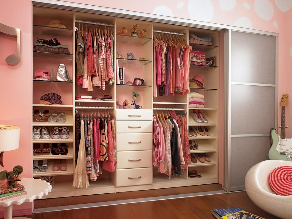How To Organise Your Children S Closet So They Can Learn Independence In The Playroom