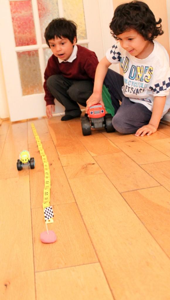 measuring vehicles distances