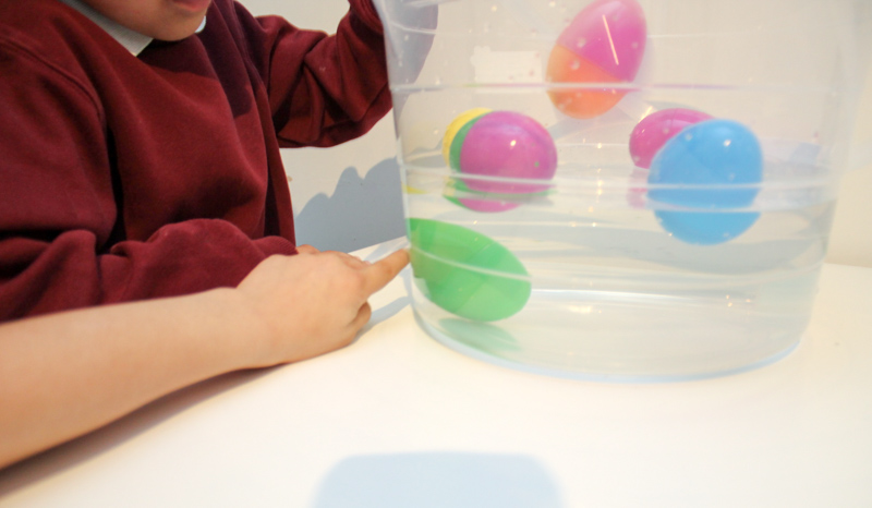 sink or float with surprise eggs