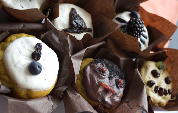 witches hat halloween muffin