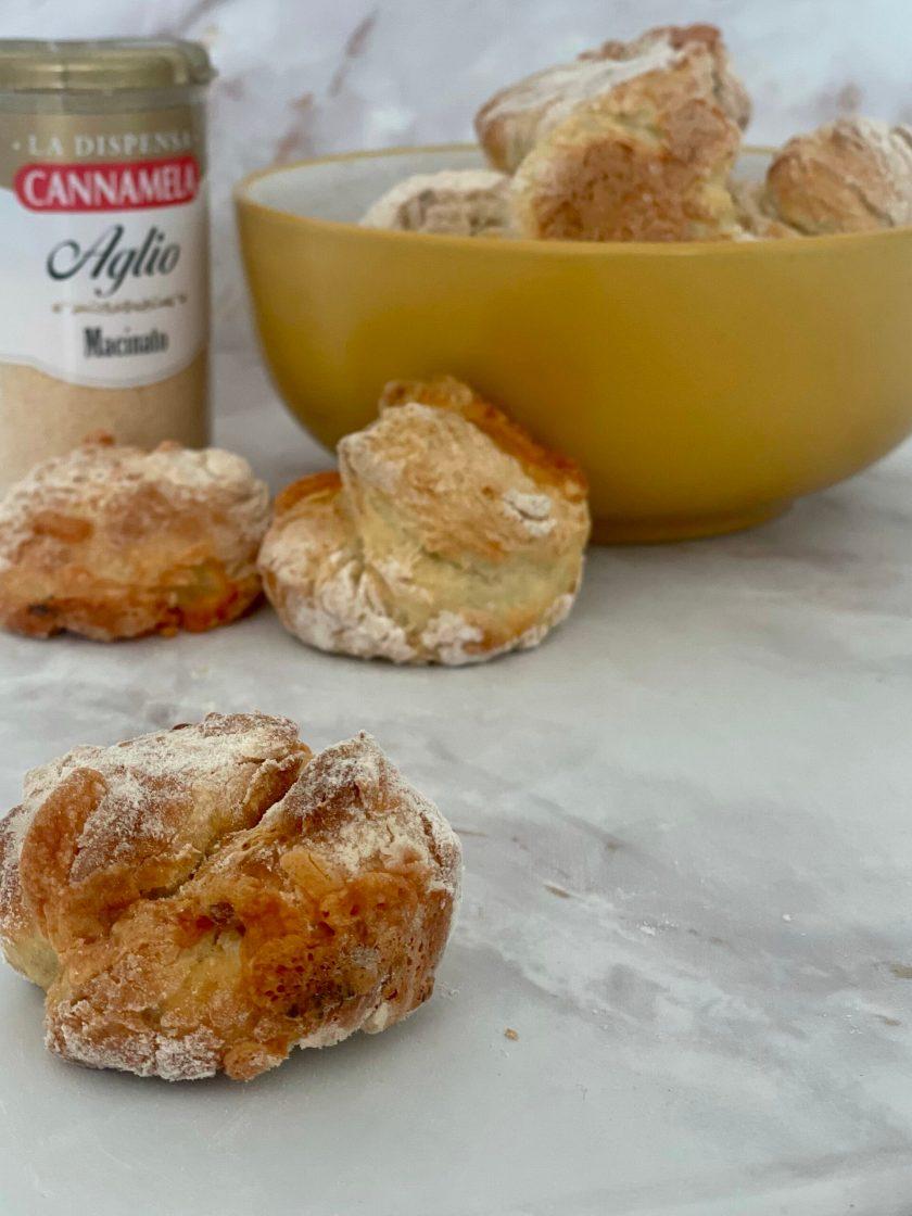3 ingredient garlic dough balls with garlic powder