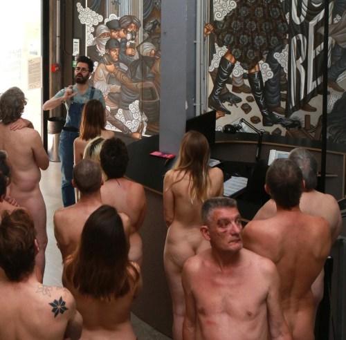 naked tour