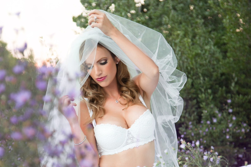 Make your Wedding Day Beautiful with Perfect Lingerie