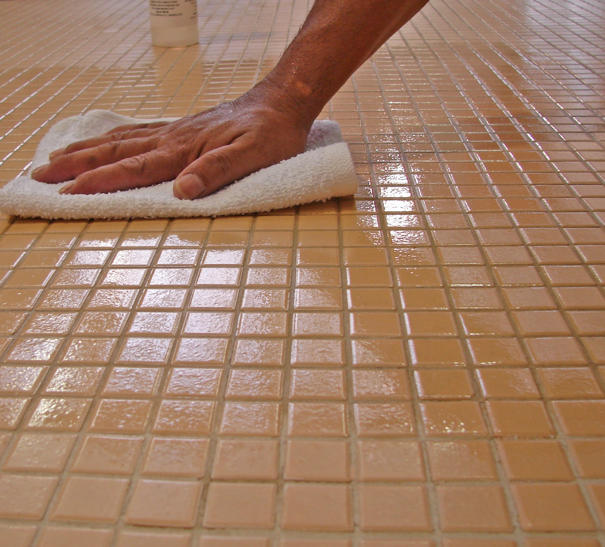 Ceramic Tile Wax Polish