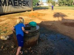 Inspektion eines öffentlichen Brunnens