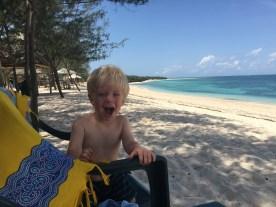 Weißer Sand, weißes Kind