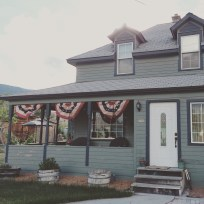 Trey got my bunting up. It will be up until September. J'adore.
