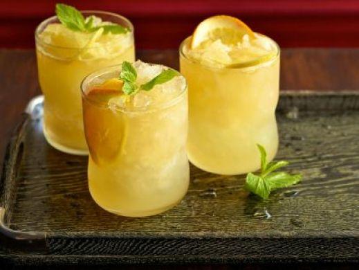 QF0211_Sparkling-Bourbon-Lemonade-Recipe_s4x3.jpg.rend.sni12col.landscape