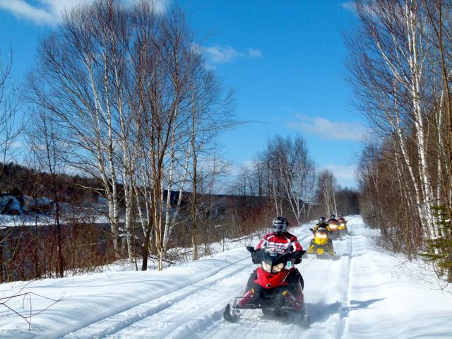 New Brunswick Snowmobile Tour