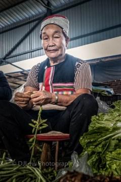 At the Mengyang market, Dai woman