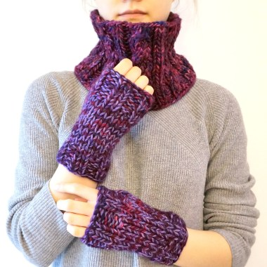 cable-scarf-classic-hand-warmers-purple4
