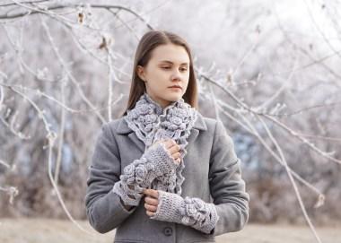 elegant-rose-long-scarf-snowfall-gray-hand-warmers