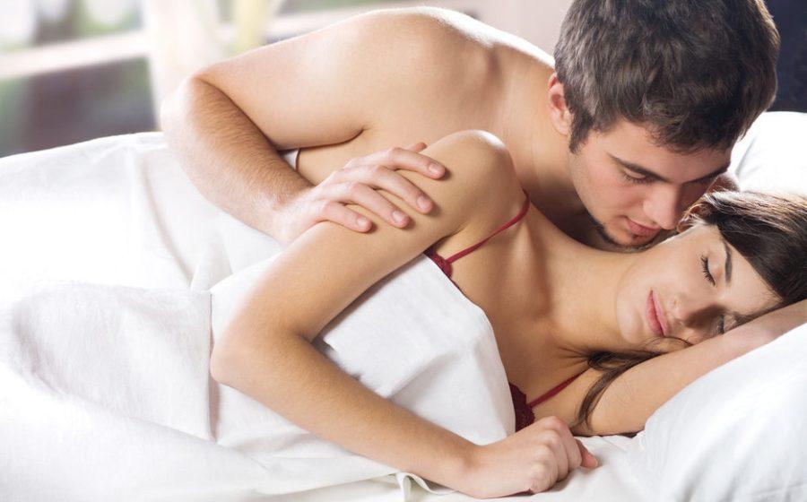 девушку приходится уговаривать на секс