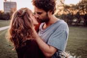 Счастливые пары занимаются сексом реже! Удивительное открытие