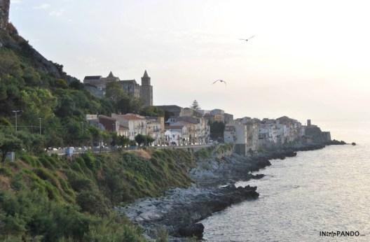 Il borgo di Cefalù al tramonto