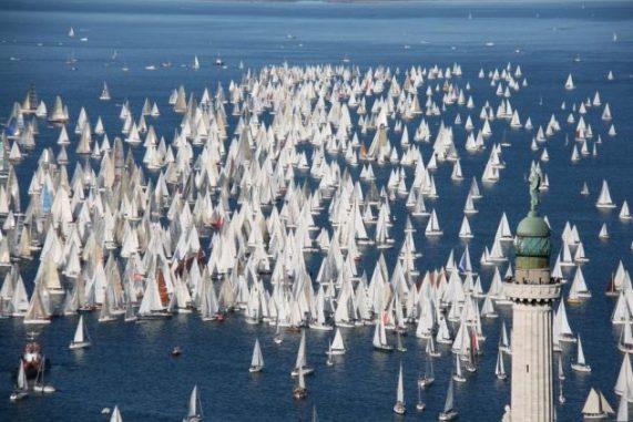 Migliaia di barche alla Barcolana di Trieste