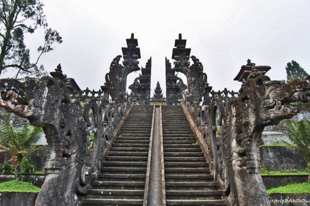 Tempio madre di Besakih, il più importante di Bali