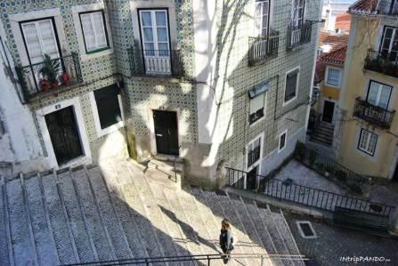 Azulejos nel quartiere di Alfama a Lisbona