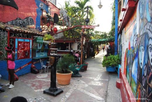 I colori di Callejon de Hamel a La Avana